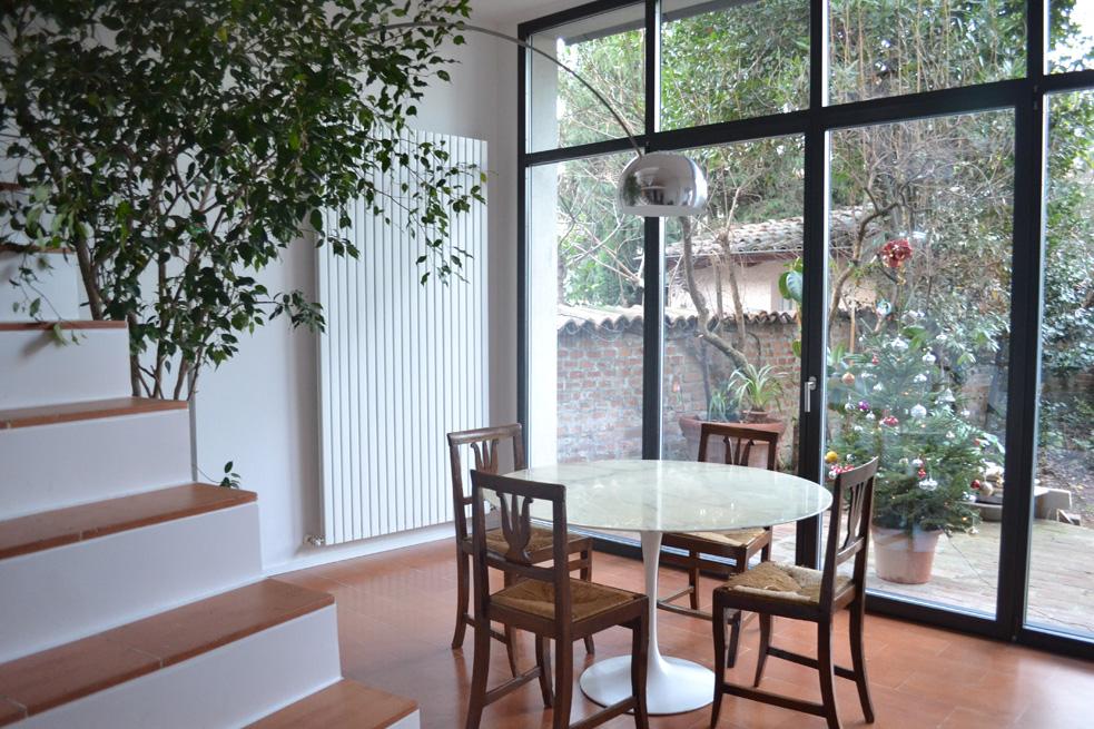 sala pranzo_casa con giardino rid